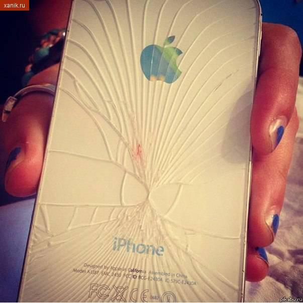 Чтобы проверить подлинность IPhone, нужно его разбить. Если у вас в руках не подделка, то Вы увидите 2 соприкасающихся пениса.